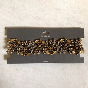 Express Gold Rose Choker